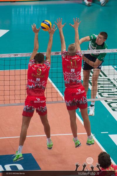 Oleg ANTONOV, attacco