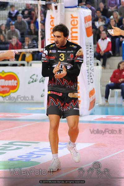 Adriano PAOLUCCI, esulta