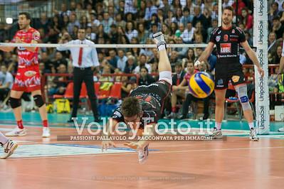 Michele BARANOWICZ, tentata difesa acrobatica