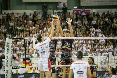 Matey KAZIYSKI, attacca contro muro, Aleksandar Atanasijevic, Simone Buti