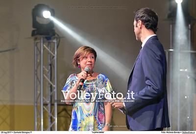 Il giornalista RAI Alessandro Antinelli tiene a battesimo il lancio della nuova stagione con il saluto di Paola De Micheli, Presidente della Lega Volley