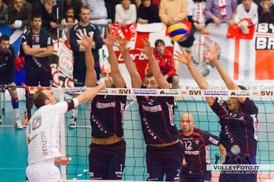 Rosalba attacca contro il muro di Ortona Gherardi SVI Città di Castello PG - Sieco Service Ortona CH  22ª Giornata, Campionato Italiano di Volley Maschile, Serie A2, 2012/13