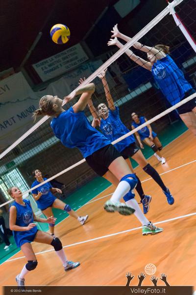 2013.09.24 Allenamento Trevi Volley (id:_MBC2602)