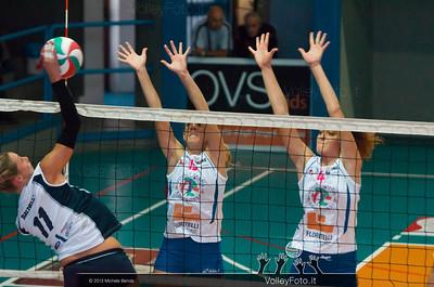 Giorgia Baldelli attacco - Serena Ubertini e Martina Tiberi muro