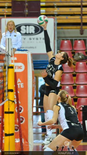 Alessia Montechiarini, attacco