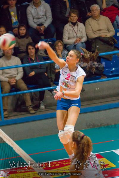 Elisa Mezzasoma, attacco