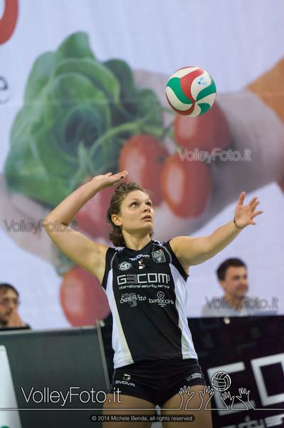 Jessica Puchaczewsski, battuta