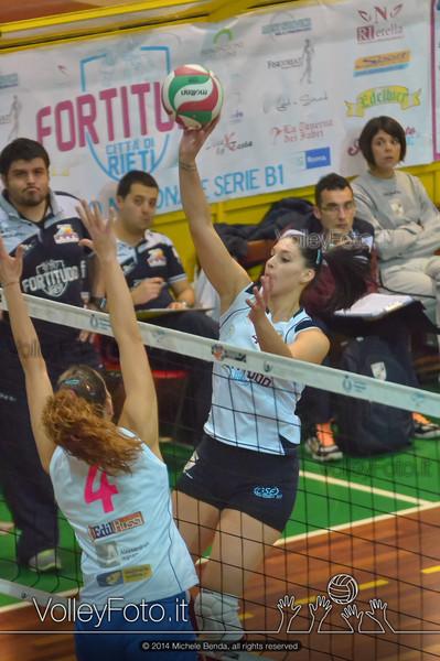 Elena Robazza, attacco