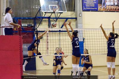 O.M.G. Galletti Ponte Valleceppi PG - Edil Ceccacci Moie AN | 4ª giornata, Campionato Italiano di Pallavolo Femminile, Serie B2 girone F [2013/14] (id: 2013.11.10._MBY7900)