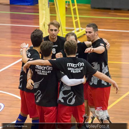 Grifo Volley Perugia abbraccio