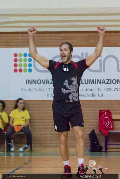 Luca Belli esulta