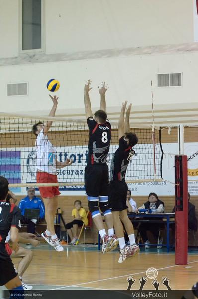 Grifo Volley PERUGIA - Interporto ORTE | 5ª giornata, Campionato Italiano di Volley Maschile, Serie B2 girone F [2013/14] (id: 2013.11.16._MBY0509)