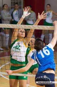 Chiara Valentini a muro Asd Pallavolo Libertas Perugia - Zambelli Orvieto 21ª Giornata, Campionato regionale Volley Femminile, Serie C Umbria 2012/13