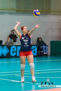 [15] Nicchi Miriam, battuta  Agricola Zambelli Volley Team Orvieto - New Front Prep F.lli Mori Gubbio   Finale gara 2 Campionato Regionale di Volley Femminile Serie C 2012/13