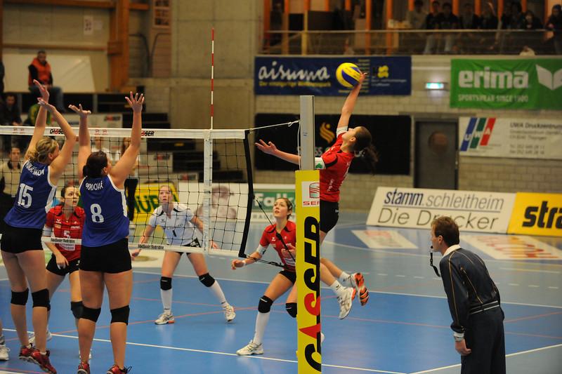 Mirjana Komlenovic, VC Kanti - Senic 3:1 (Challenge Cup 2010/2011) © Reinhard Standke