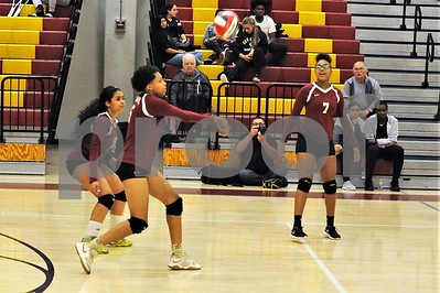 NBHS VOLLEYBALL VS SIMSBURY 9-25-18