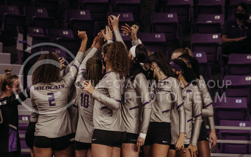 The team huddles during a timeout during the Kansas State volleyball game against Iowa State at Bramlage Coliseum on Sept. 26, 2020. (Sophie Osborn | Collegian Media Group)