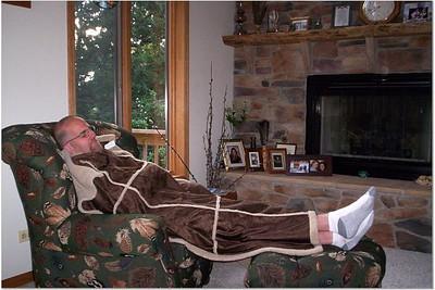 2005-8-26 00002 Steve taking a nap