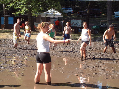 2005-7-10 Mud Volleyball-West Chicago 00005