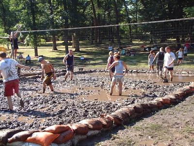 2005-7-10 Mud Volleyball-West Chicago 00004