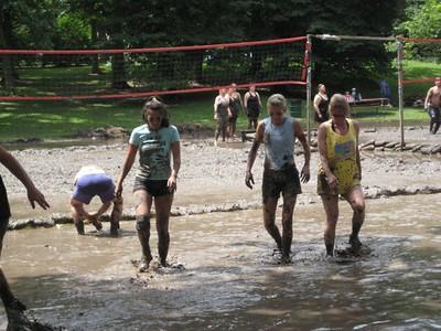 Fun in the Mud 2009 by Ilona Ah-yo09