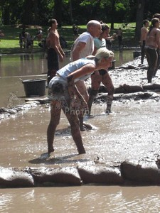 Fun in the Mud 2009 by Ilona Ah-yo 17