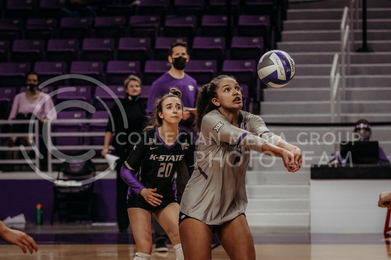 Freshman Aliyah Carter focuses on the ball during the March 14, 2021 volleyball game against Saint Louis University. (Sophie Osborn   Collegian Media Group)