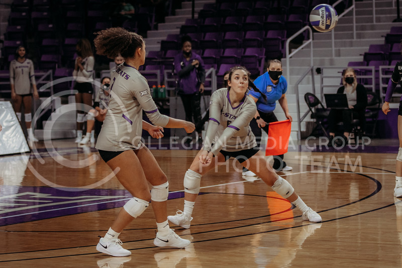 Junior Jacque Smith looks to pass the ball during the March 14, 2021 volleyball game against Saint Louis University. (Sophie Osborn   Collegian Media Group)