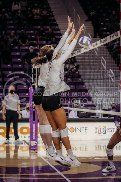 Kansas State players block the ball during the game against Texas Christian University on Nov. 13, 2020. (Sophie Osborn | Collegian Media Group)