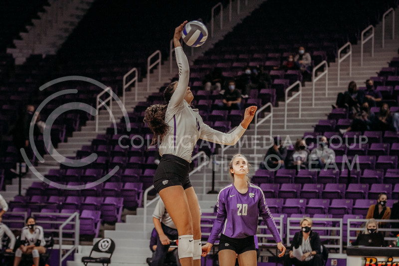 Sophomore Holly Bonde returns the ball during the game against Texas Christian University on Nov. 13, 2020. (Sophie Osborn | Collegian Media Group)