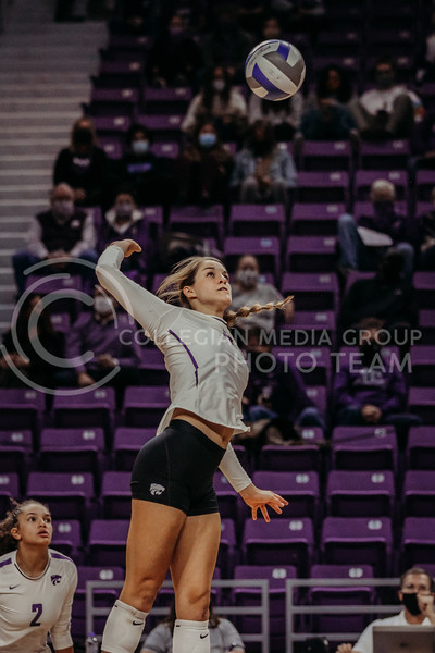 Sophomore defensive specialist Loren Hinkle prepares to hit the ball during the game against Texas Christian University on Nov. 13, 2020. (Sophie Osborn | Collegian Media Group)