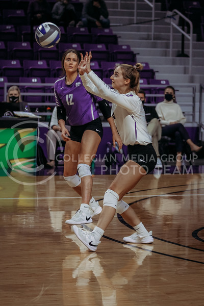 Freshman libero Mackenzie Morris prepares to set during the Nov. 14, 2020 game against Texas Christian University. (Sophie Osborn | Collegian Media Group)