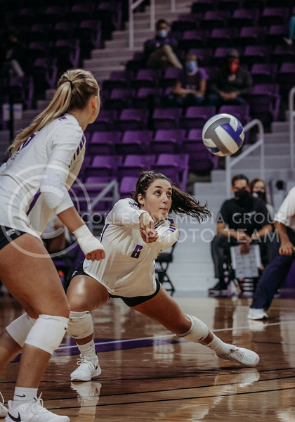 Jacque Smith gets in position during the Kansas State volleyball game against Texas at Bramlage Coliseum on Oct. 17, 2020. (Sophie Osborn | Collegian Media Group)