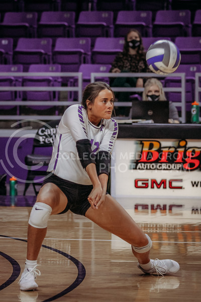 Loren Hinkle gets ready to pass during the Kansas State volleyball game against Texas at Bramlage Coliseum on Oct. 17, 2020. (Sophie Osborn | Collegian Media Group)