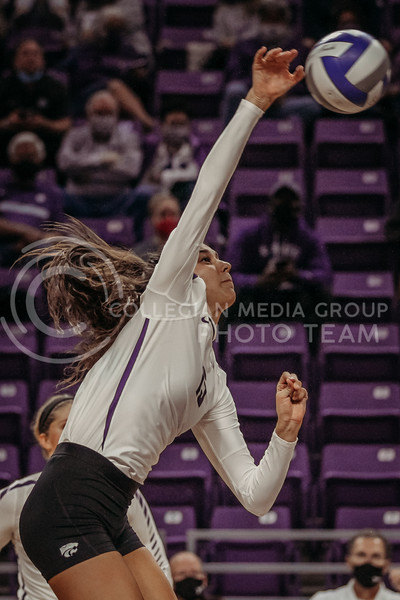 Holy Bonde returns the ball during the Kansas State volleyball game against Texas at Bramlage Coliseum on Oct. 17, 2020. (Sophie Osborn | Collegian Media Group)
