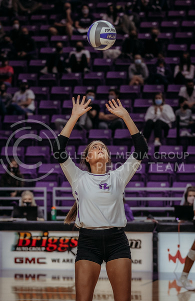 Loren Hinkle looks to set the ball to a teammate during the Kansas State volleyball game against Texas at Bramlage Coliseum on Oct. 17, 2020. (Sophie Osborn | Collegian Media Group)