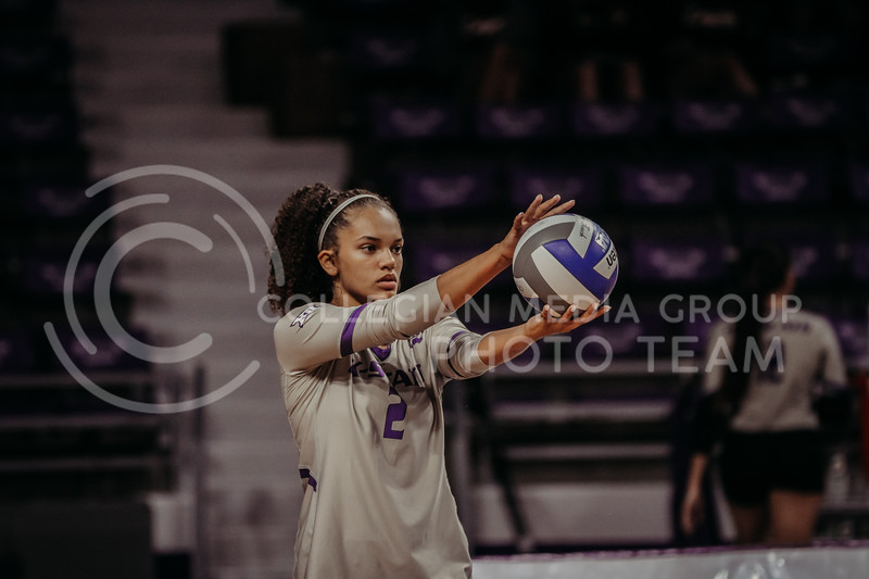 Sophomore Aliyah Carter prepares to serve during the September 9, 2021 game against Ohio at Bramlage Coliseum. (Sophie Osborn   Collegian Media Group)
