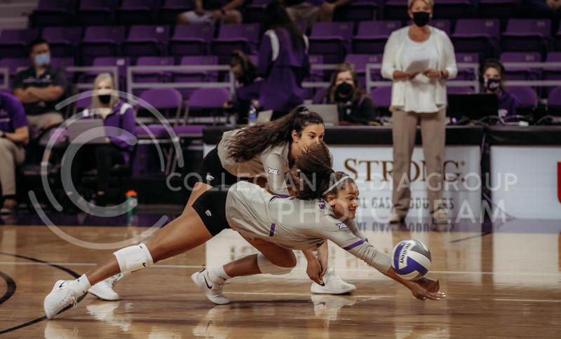 Sophomore Aliyah Carter dives to save the ball during the September 9, 2021 game against Ohio at Bramlage Coliseum. (Sophie Osborn   Collegian Media Group)