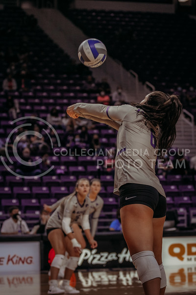 Jacque Smith passes the ball to a teammate during the game against Oklahoma on Oct. 22, 2020. (Sophie Osborn | Collegian Media Group)