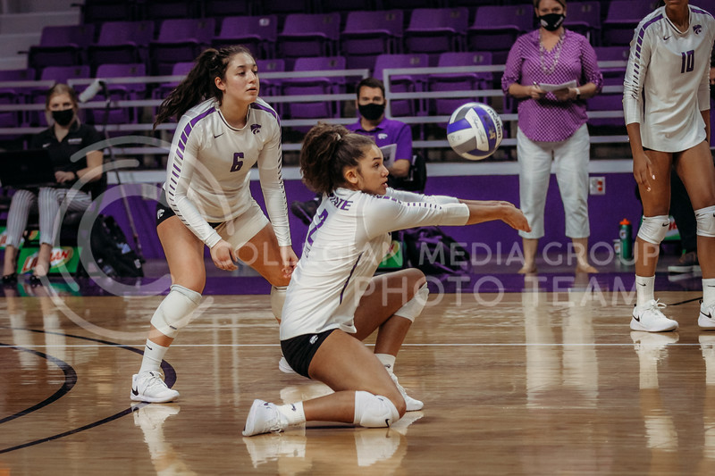Freshman outside hitter Aliyah Carter readies to pass the ball to a teammate during the game against Texas State on March 4, 2021 game at Bramlage Coliseum. (Sophie Osborn   Collegian Media Group)