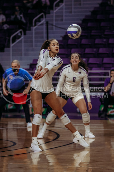 Freshman outside hitter Aliyah Carter prepares to pass the ball during the game against Texas State on March 4, 2021 game at Bramlage Coliseum. (Sophie Osborn   Collegian Media Group)