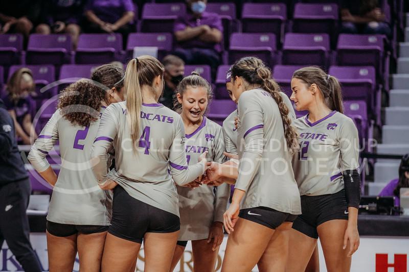 The team prepares during the August 22nd game against University of Missouri-Kansas City at Bramlage Coliseum. (Sophie Osborn | The Collegian Media Group)
