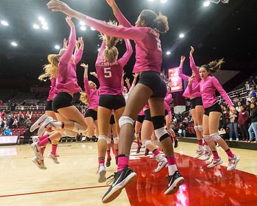 Pac-12 Women's Volleyball: Washington Huskies at Stanford Cardinal