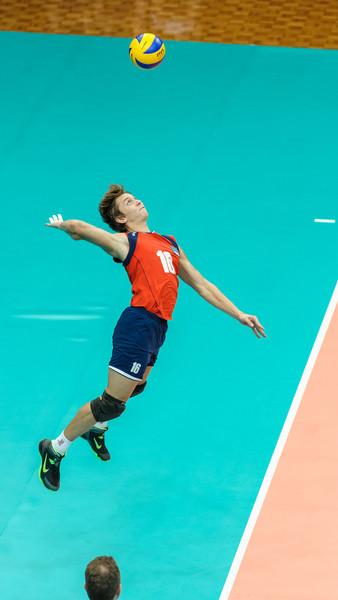 High toss jump serve by Verigin (Kazakhstan)