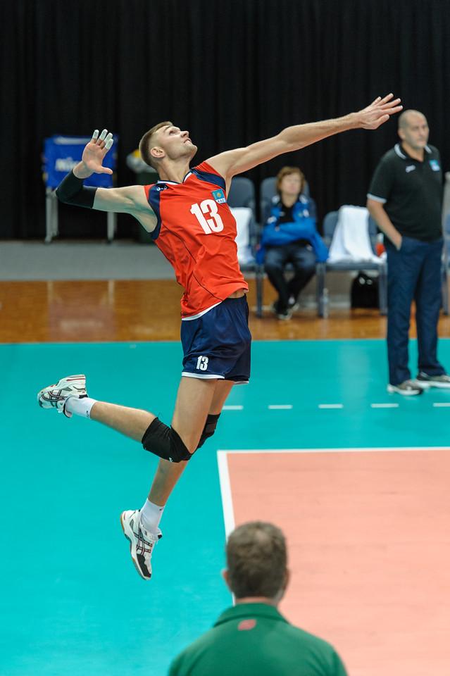 High toss serve by Erdshtein (Kazakhstan)