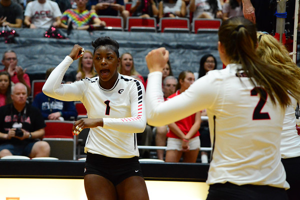 T'ara Ceasar (1)  -  UGA Volleyball Team -  (Photo by Caitlyn Tam / Georgia Sports Communication)
