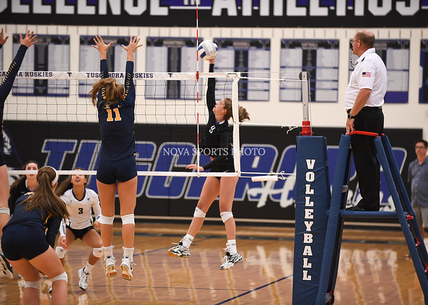 AW Volleyball Loudoun County vs Tuscarora-23