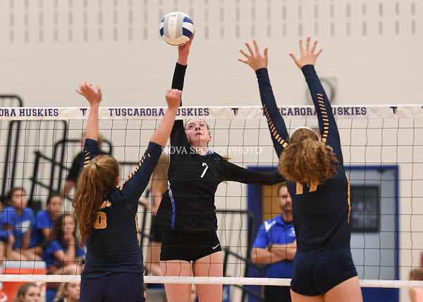 AW Volleyball Loudoun County vs Tuscarora-46