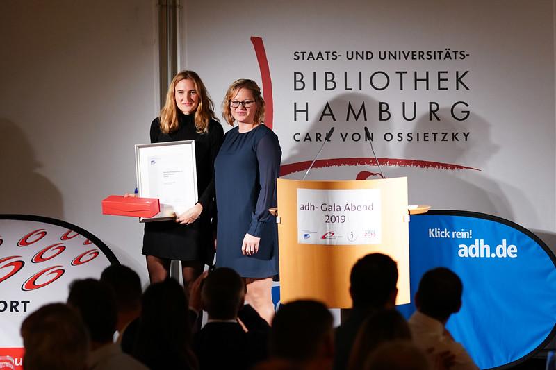 Sportlerin des Jahres 2019, Caterina Granz mit Laudatorin Maren Schulze