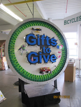 GiftsToGive_September27-2012_ 009